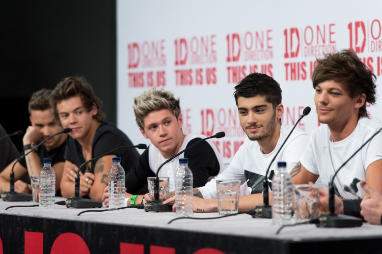 """LONDON, ENGLAND - AUGUST 19: (L-R) Liam Payne, Harry Styles, Niall Horan, Zayn Malik and Louis Tomlinson attend a press conference for """"One Direction This Is Us"""" at Big Sky Studios on August 19, 2013 in London, England. (Photo by Ian Gavan/Getty Images for Sony Pictures)"""
