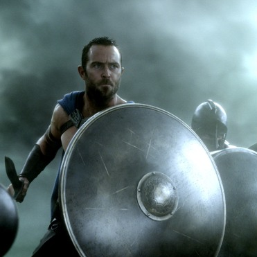 """300ROAE-FP-0185 Film Name: 300: RISE OF AN EMPIRE Copyright: © 2014 WARNER BROS. ENTERTAINMENT INC. AND LEGENDARY PICTURES FUNDING, LLC. Photo Credit: Courtesy of Warner Bros. Pictures Caption: SULLIVAN STAPLETON as Themistokles in Warner Bros. Pictures' and Legendary Pictures' action adventure """"300: RISE OF AN EMPIRE,"""" a Warner Bros. Pictures release."""